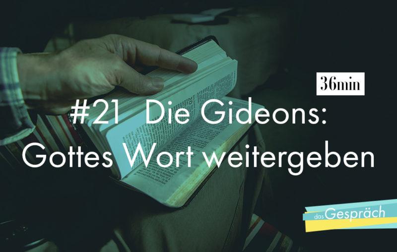 Die Gideons geben Neue Testamente weiter
