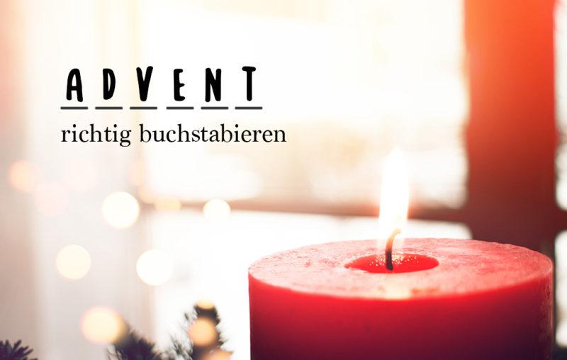 Brennende Kerze und Tannenzweige als Blogbild für Advent richtig buchstabieren
