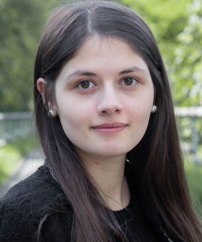 Mitarbeiterfoto Maria Khnefes